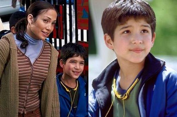 """Nazwisko Tyler Posey być może nic Wam nie mówi, ale z pewnością kojarzycie uroczego chłopca - syna głównej bohaterki (czyli Jennifer Lopez) - z """"Pokojówki na Manhattanie"""". 14 lat od premiery trudno go rozpoznać, jednak przyglądanie się aktorowi i szukanie podobieństw to sama przyjemność."""