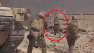 Były żołnierz ratuje iracką dziewczynkę