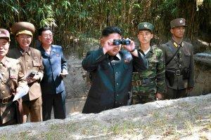 Media: Korea P�nocna przesun�a pojazdy opancerzone w stron� granicy z Chinami