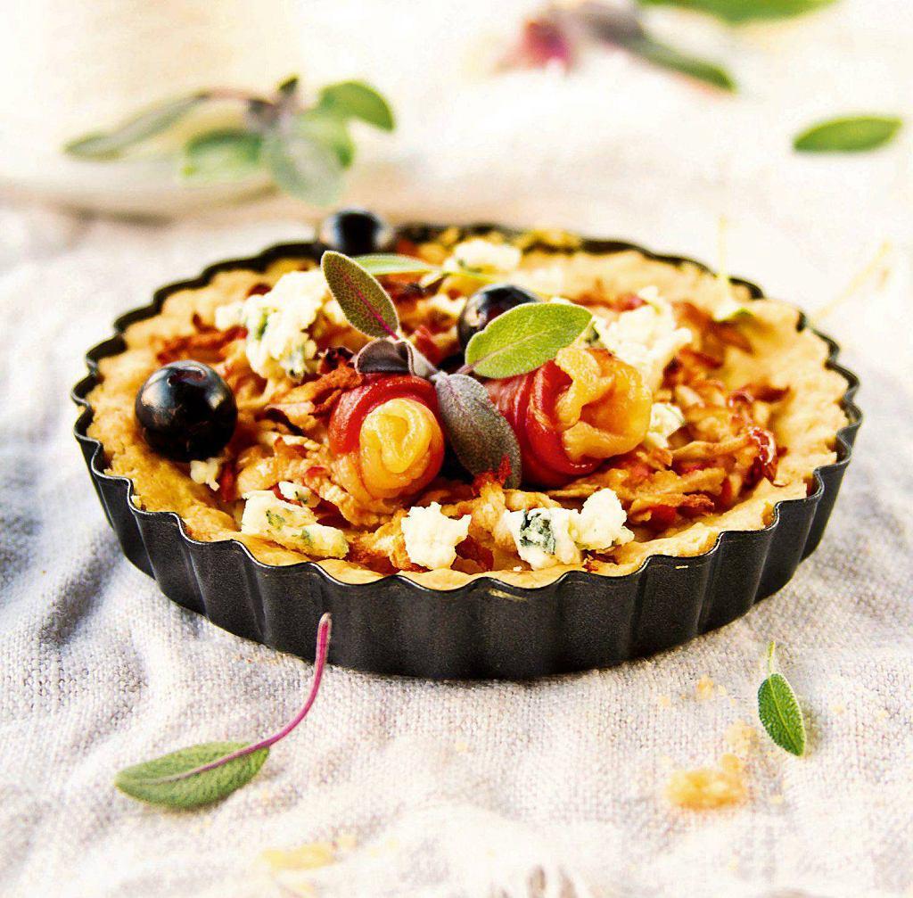 Tartaletki z szynką i jabłkami