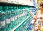 """Dietetyk: """"woda kryształowo czysta"""" lub """"specjalnie dla ciężarnych"""" - to marketingowe wymysły. Zwykle kryje się za nimi woda bardzo podobna do kranówki [WYWIAD]"""