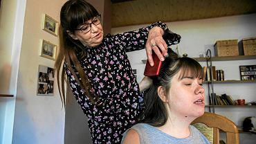 Aleksandra Chromik z niepełnosprawną córką, Patrycją