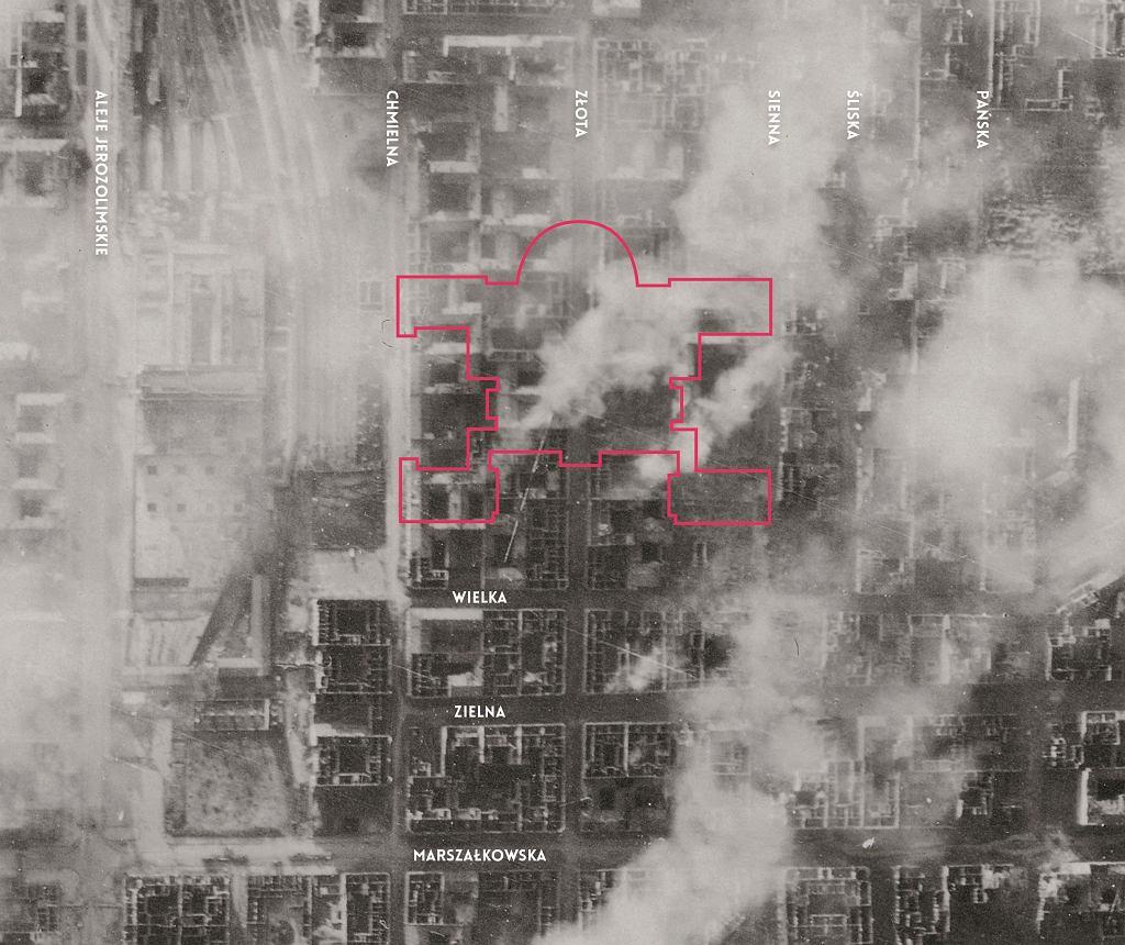 Niemieckie zdjęcie lotnicze wykonane tuż przed wybuchem powstania. 27 lipca 1944 roku. Jasne miejsca to puste parcele po domach zburzonych w efekcie niemieckich nalotów we wrześniu 1939 roku oraz bombardowań sowieckich w czasie niemieckiej okupacji.