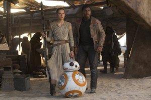 """Gwiazdor """"Gwiezdnych wojen: Przebudzenia mocy"""" zagra syna Idrisa Elby"""