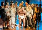 Teatr w Warszawie. Dawka humoru, kpiny i k��liwych �art�w