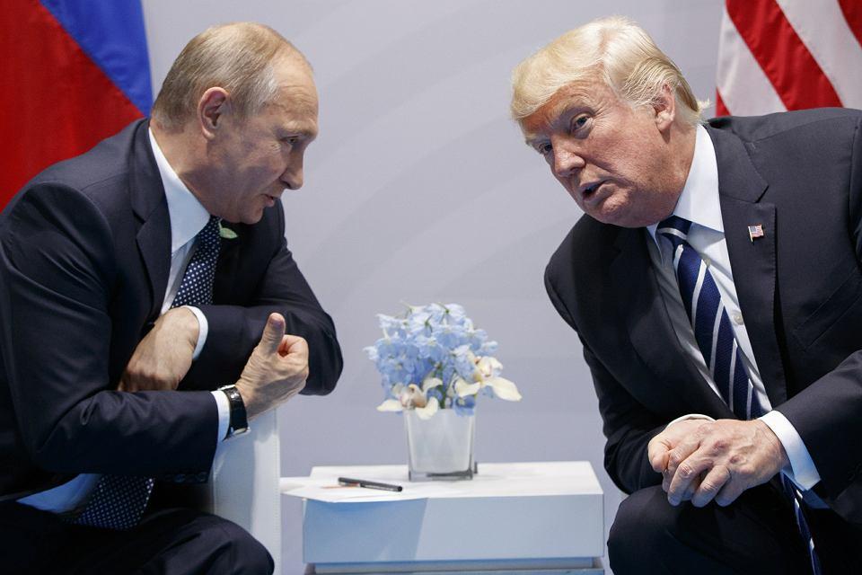 Rozmowy na szczycie. Prezydenci Władimir Putin i Donald Trump podczas spotkania na szczycie G-20 w Hamburgu, 7 lipca 2017 r.