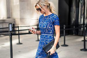 Chabrowa sukienka - jakie dodatki do niej pasują?