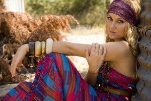 Styl boho i hippie - dobierz ubrania idealne do stylizacji