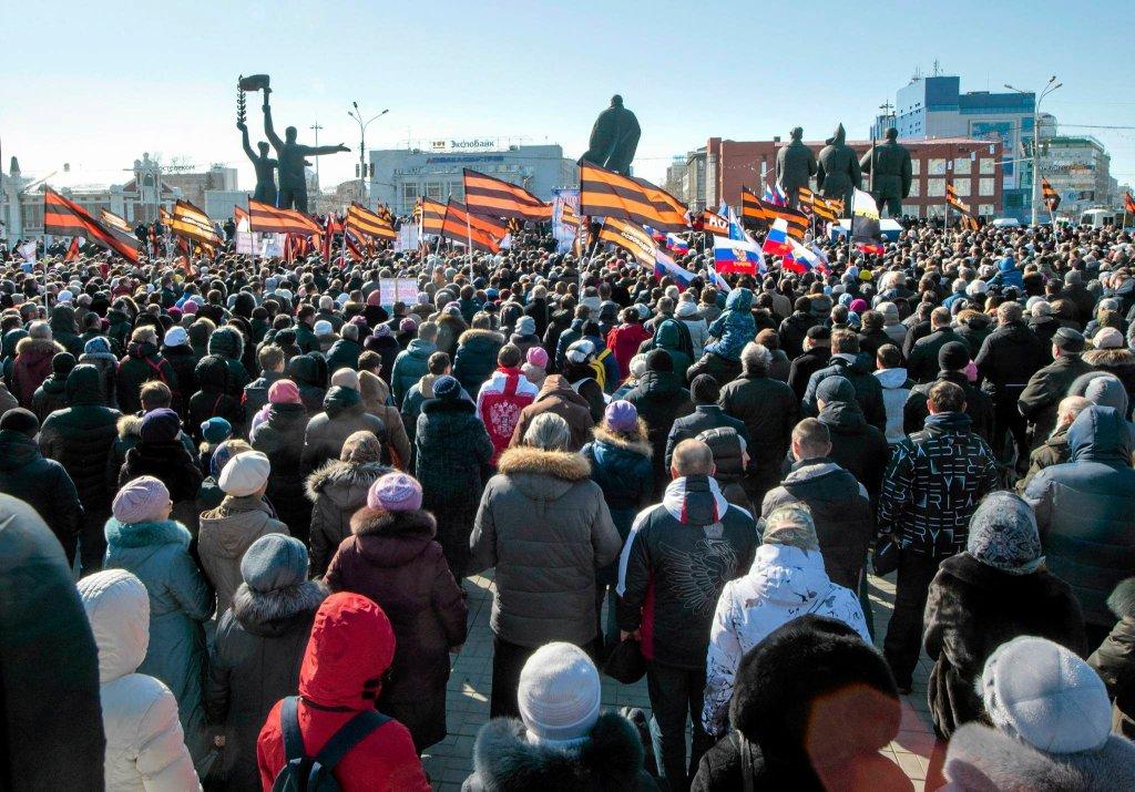 Demonstracja w Nowosybirsku przeciwko sztuce Wagnera 'Tannhauser'