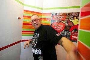 Uroczyste otwarcie... toalety. Wstęgę przeciął Jurek Owsiak