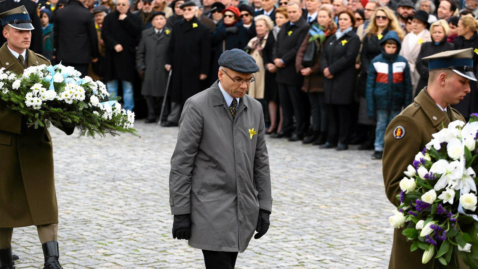 Dariusz Stola podczas uroczystości 74. rocznicy powstania w warszawskim getcie
