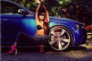 Dziewczyna i samochód: Matylda i Audi RS4 Avant