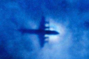 �ledczy: Malezyjski samolot jednak nie spad� w miejscu nadawania sygna��w