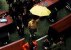 Parasolki chcą wejść do parlamentu w Hongkongu