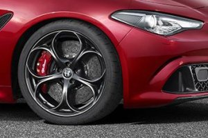 Alfa Romeo Quadrifoglio Verde   Mercedes-AMG i BMW M maj� si� czego obawia�?