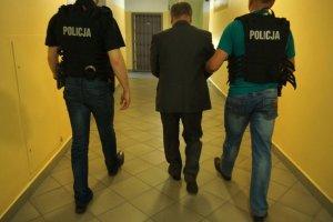 Areszt dla prezydenta Zawiercia. Cz�stochowska prokuratura zarzuca mu korupcj�