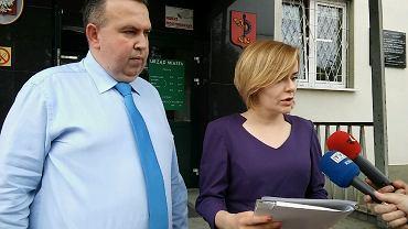 13 czerwca 2018. 'Kontrola społeczna' w Urzędzie Miasta w Skarżysku-Kamiennej. Mariusz Bodo i Anna Krupka