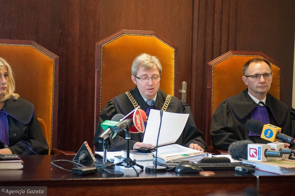 Rozprawa w Sądzie Apelacyjnym we Wrocławiu, w środku sędzia Jacek Gołaczyński
