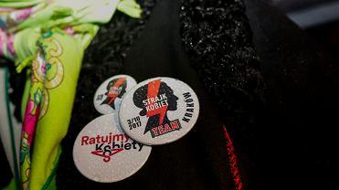 'Czarny Wtorek' - 2. Ogólnopolski Strajk Kobiet - w proteście przeciw zaostrzaniu ustawy aborcyjnej. Kraków, 3 października 2017