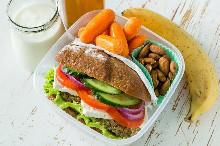 Pomysły na zdrowy lunch do pracy