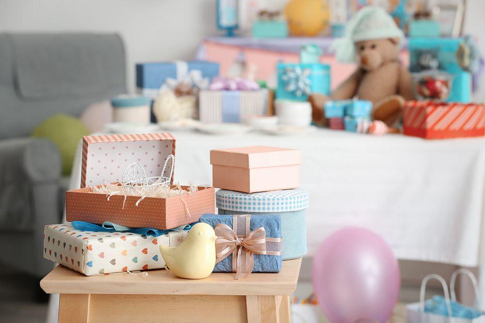 Zastanawiasz się, jaki prezent dla niemowlaka wybrać? Najlepiej zapytać się jego rodziców