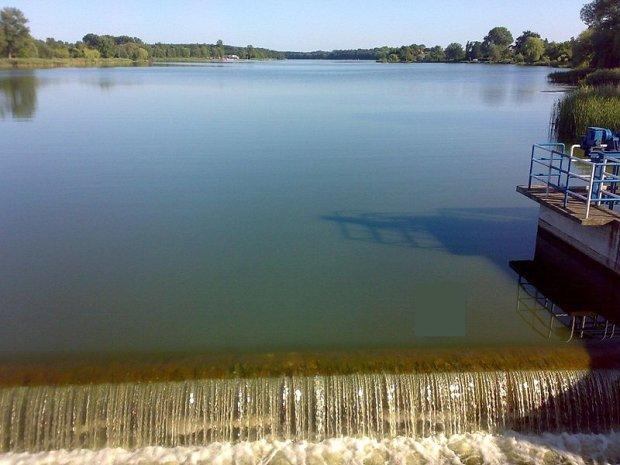 Tragedia pod Poznaniem. Dziewczynka znaleziona martwa w jeziorze