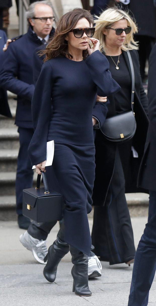Zdjęcie numer 10 w galerii - David Beckham wybrał najlepszą stylizację Victorii EVER. Koronki? Kusa sukienka? Nic z tych rzeczy