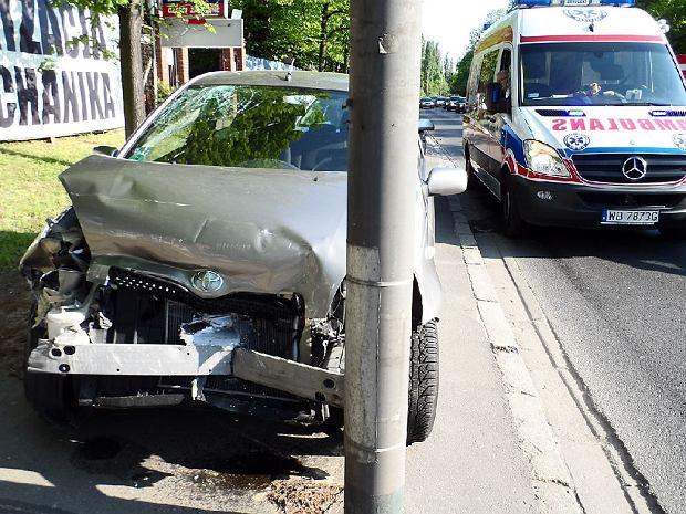Zderzenie 3 aut na �wirki i Wigury. Kierowca pijany