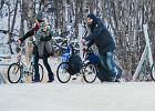 Uchod�cy w Rosji. Ucieczka rowerem do Norwegii