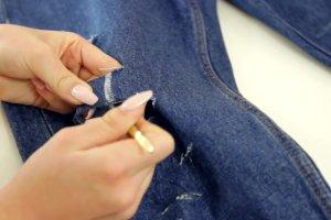 Jak zrobi� modne dziury w jeansach? Poradnik krok po kroku