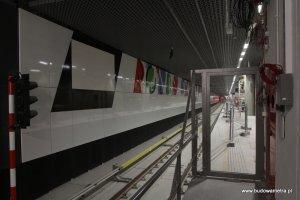 Do zako�czenia budowy metra 8 dni. Tak wygl�da stacja Rondo ONZ