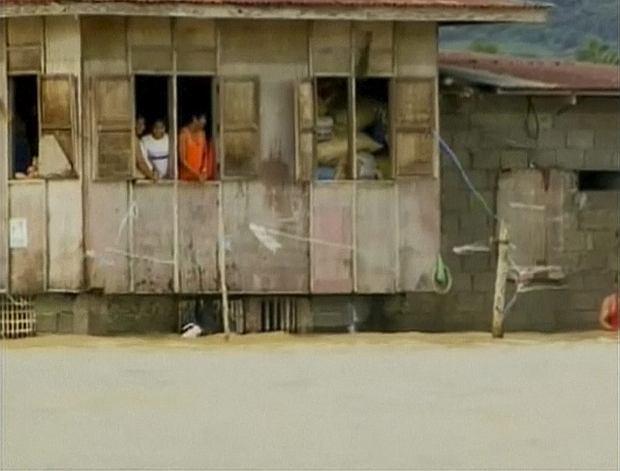Tajfun spustoszy� Filipiny. Mo�e by� tysi�c ofiar