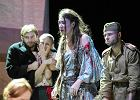 """""""Liżę twoje serce"""" w teatrze Capitol. Spektakl o Cygance w Breslau"""