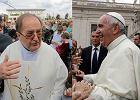 O. Rydzyk i papież Franciszek w tym samym czasie mówią o uchodźcach. Ale przekaz jest skrajnie różny