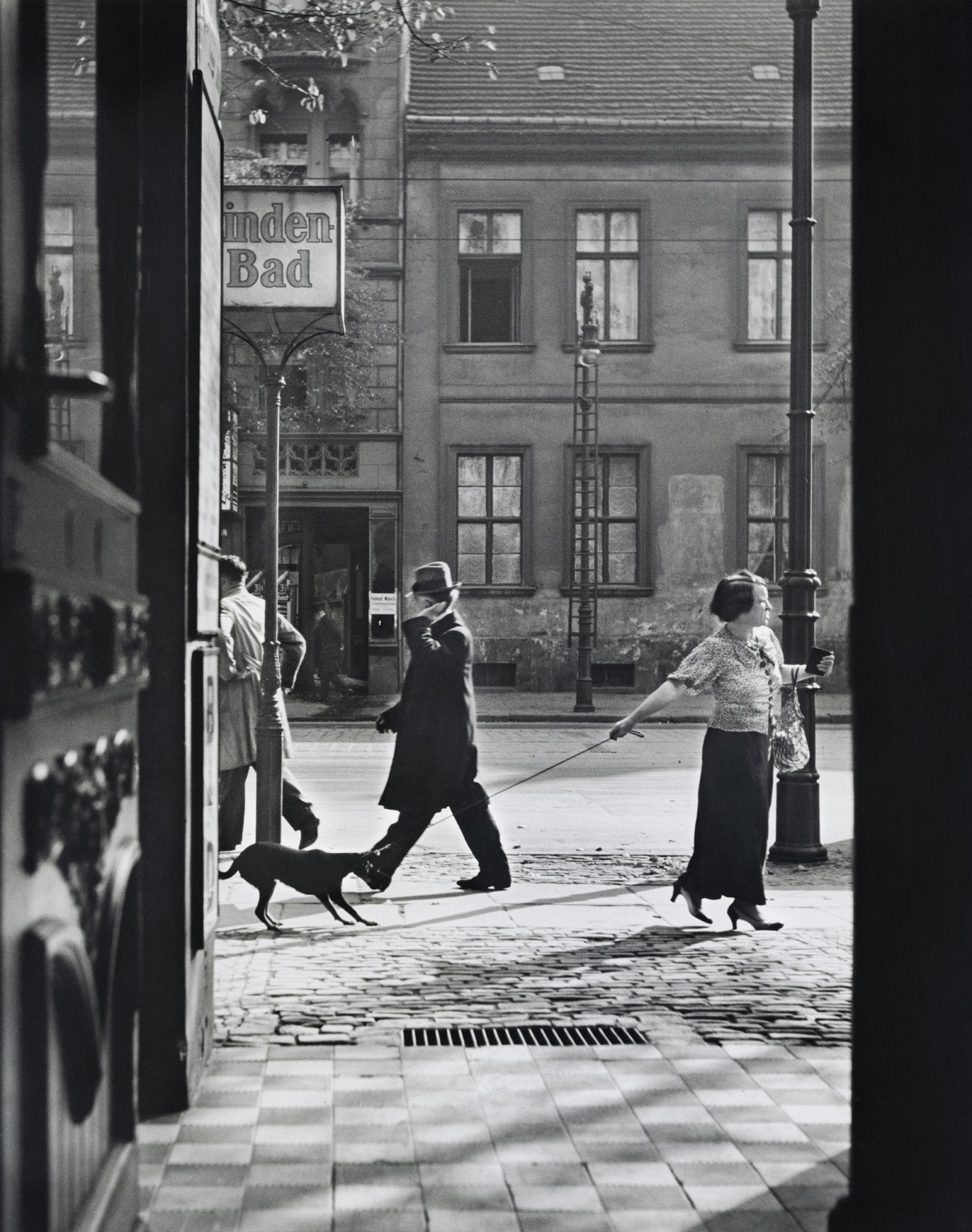 Krnąbrność, Berlin, 1929. (fot.   Mara Vishniac Kohn, dzięki uprzejmości International Center of Photography)