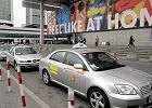 Statystyczna taksówka ma 13 lat. A taksówkarz?