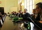 S�d uniewinni� dziennikarzy zatrzymanych podczas okupacji PKW