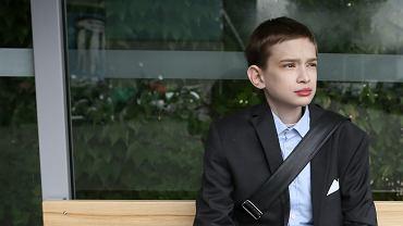 """Tomek ma 22 lata i cierpi na chorob� Fabry'ego: """"Jestem m�czyzn� uwi�zionym w ciele ch�opca"""""""