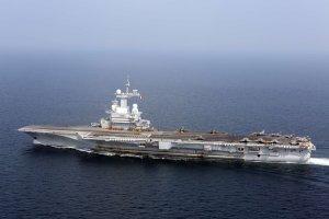Francuski lotniskowiec wesprze walk� z IS? Hollande: Mieliby�my cenne informacje