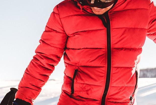 Ciepłe kurtki na zimę - najmodniejsze modele w dobrych cenach