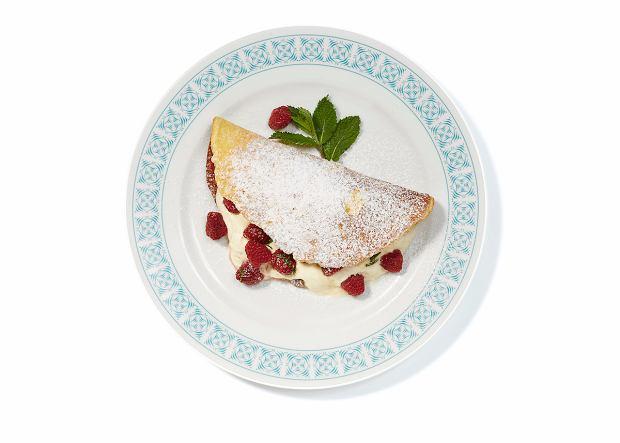 Omlet biszkoptowy z malinami