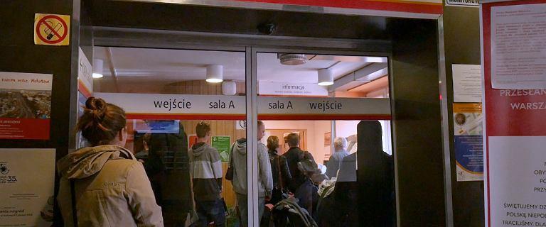 Ostatnia chwila, by dopisać się do rejestru wyborców. Byliśmy w urzędzie w Warszawie, są tłumy