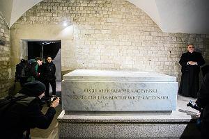 Śledczy ponownie zidentyfikują ciało Lecha Kaczyńskiego. Pobrano aż 45 próbek
