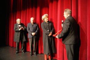 Awantura o honorowe obywatelstwo dla Krystyny Jandy. Prezydent zrobi� to w tajemnicy