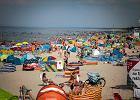 Moda na Bałtyk. Hel zamiast Egiptu, 60 telefonów o wolne pokoje, goście z całej Europy