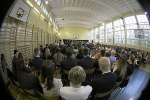 1 września wchodzi w życie reforma oświaty. Czy nauczyciele zachowają przywileje zagwarantowane w Karcie? [INFORMATOR]