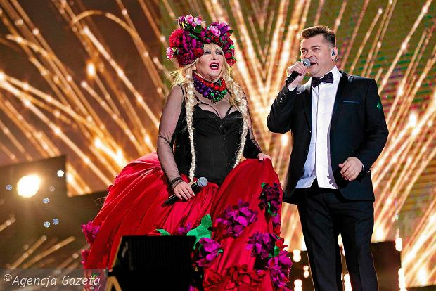 Poznaliśmy gwiazdy, które wystąpią na wielkiej imprezie sylwestrowej Telewizji Polskiej w Zakopanem. Jesteście ciekawi kto zaśpiewa, a kto poprowadzi to wydarzenie?