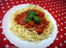 Spaghetti z sosem pomidorowo-paprykowym - ugotuj