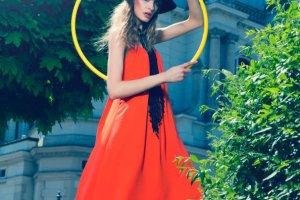 Wakacyjne sukienki na cienkich rami�czkach