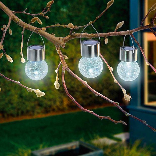 Przenośne lampy LED z zasilaniem solarnym to dobry sposób na oświetlenie ogród 'od święta'